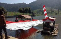 Aksi Kopassus di Sungai Ciliwung dalam Rangka HUT RI, Merdeka! - JPNN.com