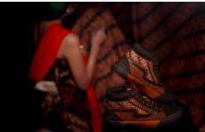 Patrobas Meluncurkan El Clasico, Sepatu Keren Karya Anak Bangsa - JPNN.com