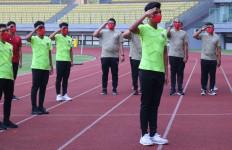 Timnas Indonesia U-16 Gelar Upacara di Lapangan, Ini Pesan Menyentuh Bima Sakti - JPNN.com