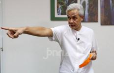 Pak Ganjar Marah Besar Gara-gara Dangdutan di Tegal, Wali Kota dan Kasatpol PP Kena Kena Semprot - JPNN.com