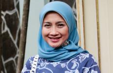 Guru Honorer Pengin jadi PNS Wajib Baca Pernyataan Desy Ratnasari - JPNN.com