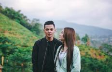 5 Fakta Kabar Pernikahan Dory Harsa dan Nella Kharisma - JPNN.com