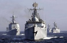 Militer Tiongkok Buntuti Kapal Perang Amerika di Selat Taiwan, Siap Menembak - JPNN.com