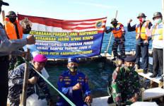 Tebar Benih Ikan Kerapu, Lanal Banyuwangi Antisipasi Kelangkaan Pangan Akibat Pandemi Covid-19 - JPNN.com