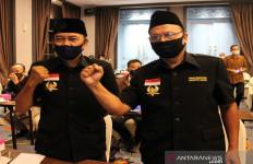 Tukang Jahit dan Ketua RW Melawan Anak Presiden, Wujud Perlawanan Rakyat? - JPNN.com