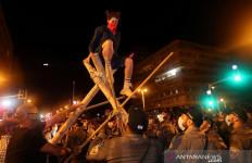 Ribuan Warga Israel Demo di Depan Rumah Benjamin Netanyahu, Sempat Ricuh - JPNN.com