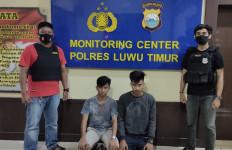 Usai Cekoki Anak Kecil Hingga Teler, 2 Lelaki di Luwu Timur Berakhir di Kantor Polisi - JPNN.com