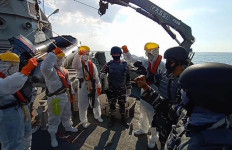 Jaga Kedaulatan NKRI, KRI Mandau-621 Intensifkan Patroli di Perbatasan - JPNN.com
