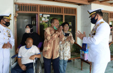 KSAL Berikan Santunan Kepada Veteran TNI AL - JPNN.com