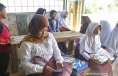 Aksi Mulia Istri Anggota TNI AD di Cianjur - JPNN.com
