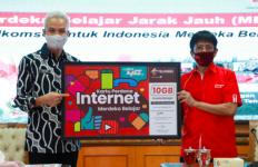 Alhamdulilah, Pak Ganjar Terima 700.000 Kartu Perdana Kuota Internet - JPNN.com