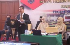 Kepala BPSDM Kemendagri Teguh Setyabudi Raih Gelar Doktor Ilmu Pemerintahan - JPNN.com