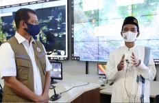 UAS Sambangi Markas BNPB, Saat Berceramah Didampingi Jenderal TNI - JPNN.com