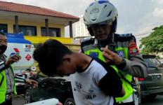 AI Akhirnya Tertangkap Berkat Kesigapan Dua Polisi Ini, Terima Kasih, Aipda Muris dan Bripda Ardo - JPNN.com