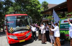 Pak Ganjar Meluncurkan Trans-Jateng Koridor Baru, Tarifnya Murah Meriah - JPNN.com