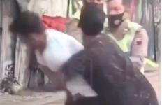 Pemuda Sontoloyo Menganiaya Lansia, Berani Melawan Polisi yang Datang - JPNN.com