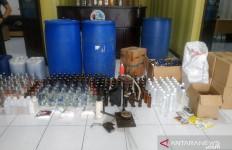 Warga Mencium Bau Menyengat dari Dalam Rumah, Penghuninya Jarang Bergaul, Bukan Mayat - JPNN.com