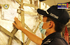 Bea Cukai Jakarta Fasilitasi Bantuan APD dari Australia dan Amerika Serikat - JPNN.com