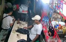 Lihat Aksi Pria Ini, Waspada, Jangan Lengah - JPNN.com