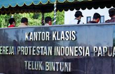 Kantor Klasis GPI Teluk Bintuni Jadi Ikon Baru di Papua Barat - JPNN.com