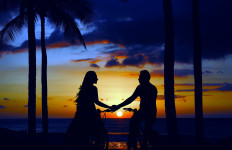 5 Cara Belajar Menerima Sifat Pasangan Apa Adanya - JPNN.com