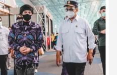 Pakai Batik dan Celana Sobek Saat Bersama Menhub, Atta Halilintar Dikritik - JPNN.com