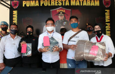 SU Masuk Kamar Janda Muda, Sudah Buka Celana, Ada Suara Tangisan - JPNN.com
