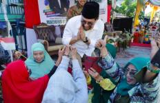 Survei Poltracking Indonesia, Masyarakat Surabaya Pilih Machfud Arifin-Mujiaman - JPNN.com