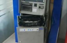 Pembobolan Mesin ATM dengan Cara Mengelas Itu Terekam CCTV, Pelaku Ternyata - JPNN.com
