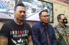Kuasa Hukum Membandingkan Sidang Jerinx SID dengan Jaksa Pinangki - JPNN.com