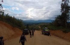Detik-Detik Penganiaya Pejabat Polres Jayawijaya Tertembak Panah - JPNN.com