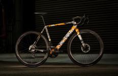Harga Sepeda Ini Lebih Mahal dari Toyota Yaris Terbaru - JPNN.com
