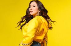 Makin Eksis, Ucie Sucita Lepas Single Kartu Kuning - JPNN.com