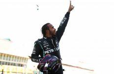 Hamilton Juara GP Tuscan yang Diwarnai 3 Kali Start dan Banyak Tabrakan - JPNN.com