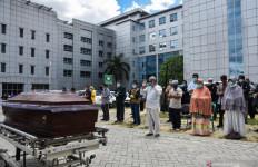 Suara Marni Bergetar, Menahan Kesedihan Usai Dinyatakan Positif Covid-19 - JPNN.com
