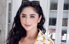 Demi Gabriel, Dewi Perssik Bayar Rp 1 Miliar - JPNN.com