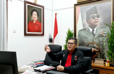 Di Sekolah Partai PDIP, Hasto Bahas Komitmen Hingga RUU Cipta Kerja - JPNN.com