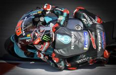 Quartararo Kuasai FP1 MotoGP Emilia Romagna, Rossi Urutan 17 - JPNN.com