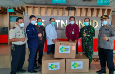 Kemenkes Bawa Bantuan Ventilator untuk RS Rujukan Covid-19 di Bali - JPNN.com