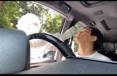 Armand Maulana Menangis Saat Jalani Swab Test - JPNN.com