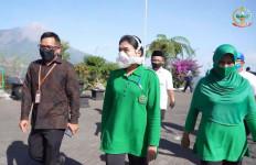 Istri Jenderal Andika Bantu Pedagang Terdampak Covid-19 di Wisata Ketep pass - JPNN.com