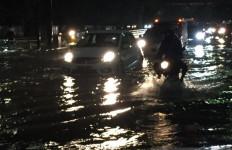 Daftar 30 Jalan di Jakarta Barat yang Terendam Banjir - JPNN.com