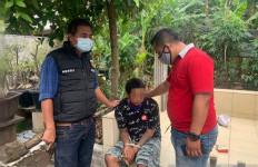 Lihat! Pria Itu Sering Mengganggu Pasangan yang Sedang Berpacaran di Pinggir Jalan - JPNN.com