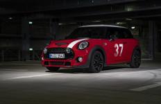 MINI Hopkirk Melenggang Bergaya Mobil Reli Klasik - JPNN.com