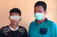 Gegara Tak Dikasih Uang, Ahmad Fadli Kalap Hajar Ayah dan Bacok Paman, Beringas Sekali! - JPNN.com