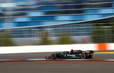 Pembalap McLaren Tabrak Pembatas, Bottas Terdepan - JPNN.com