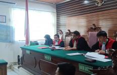 Tok, Hidayatulloh Terdiam Divonis Hukuman Mati - JPNN.com