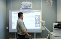 Ciptakan PJJ yang Interaktif dan Menyenangkan Bagi Siswa dengan Proyektor Epson Interaktif EB-1485Fi - JPNN.com