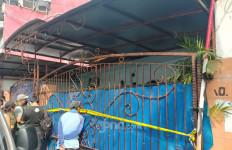 Rekonstruksi Klinik Aborsi di Jakpus Ramai Ditonton Warga, Begini Kesaksian Agus & Tina - JPNN.com