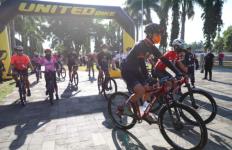 Lewat Tour de Borobudur, Pak Ganjar Memperkenalkan Keindahan Wisata Alam Jawa Tengah - JPNN.com